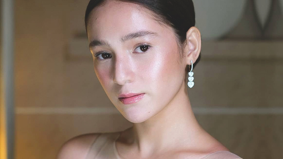 How Barbie Imperial Achieved a Glassy, No-Makeup Look at the ABS-CBN Ball