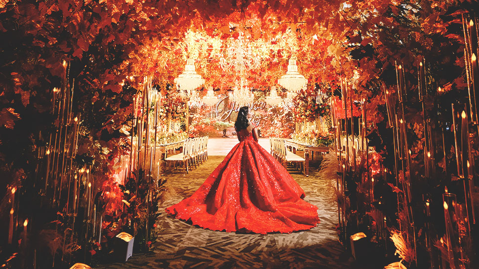 You Have To See This Breathtaking Autumn-themed Debut