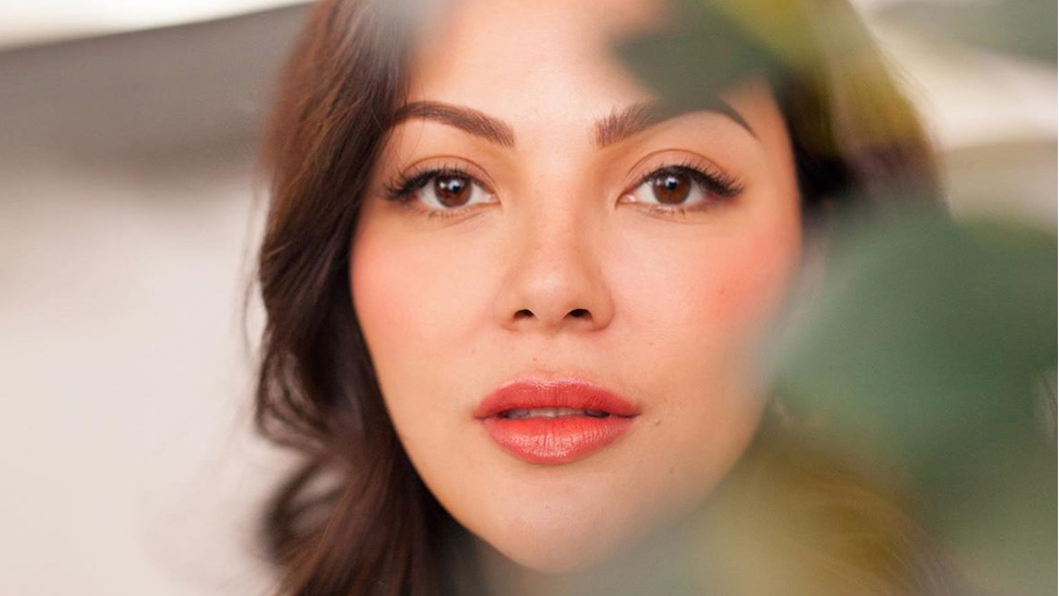Kc Concepcion Has An Easy Trick To Make Cream Blush Appear More Natural