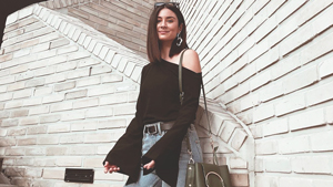 Black And Denim Outfits To Try For Your Everyday Casual Looks