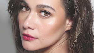 How To Achieve Bea Alonzo's Textured Hair, According To Her Hairstylist