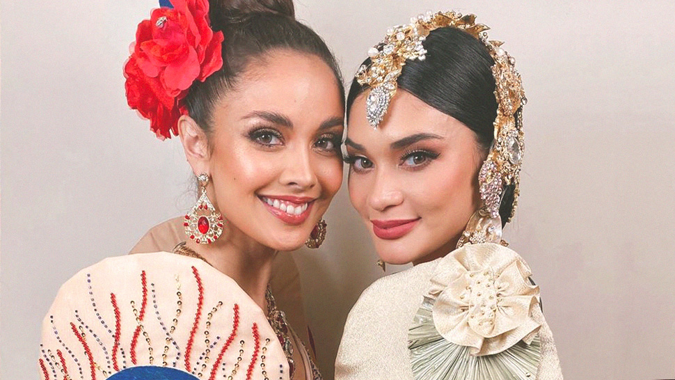 Pia Wurtzbach And Megan Young Proudly Lead The 2019 Sea Games Opening Ceremony