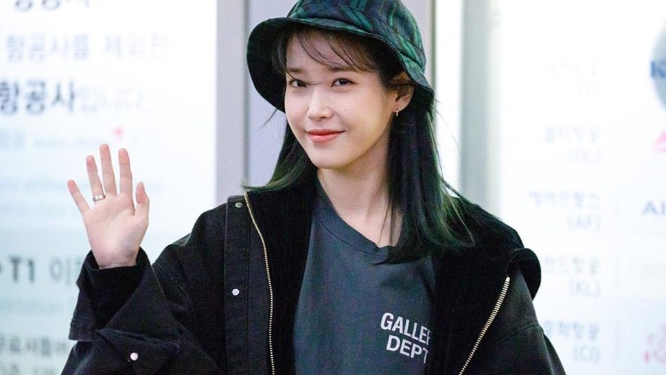 All the Exact Designer Pieces IU Wore When She Arrived in Manila