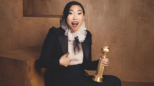 Awkwafina Is The First Asian Woman To Win This Golden Globe Award