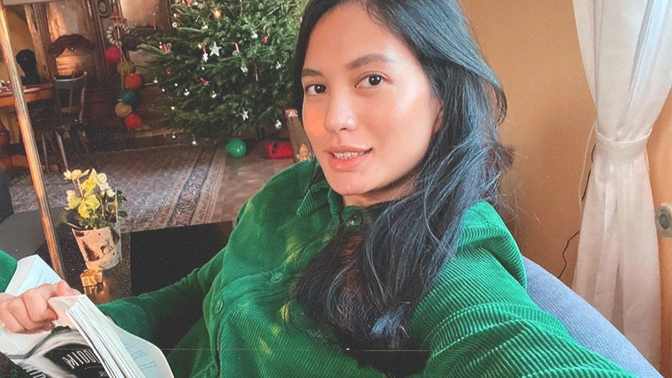 This Is the Exact Treatment Isabelle Daza Gets for a Makeup-Free Glow
