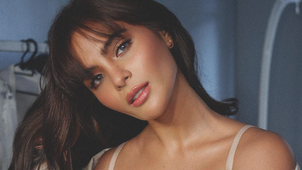 Lovi Poe's Long, Wispy Bangs Are Perfect for Girls Who Have No Time to Fix Their Hair