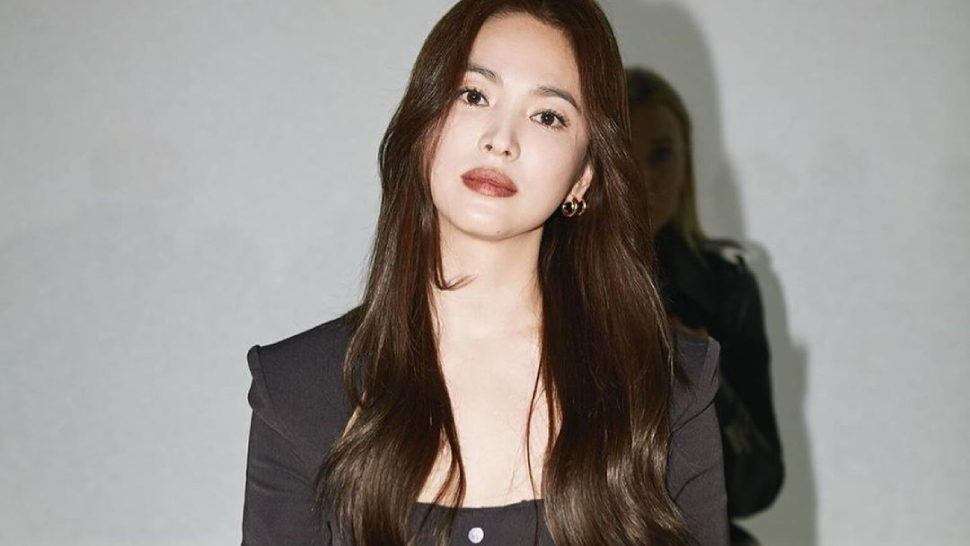 We Love Song Hye Kyo's All-black Look At The Bottega Veneta Show In Milan