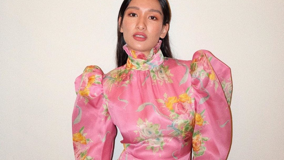 All The Chic, Groundbreaking Ways To Wear Florals In 2020