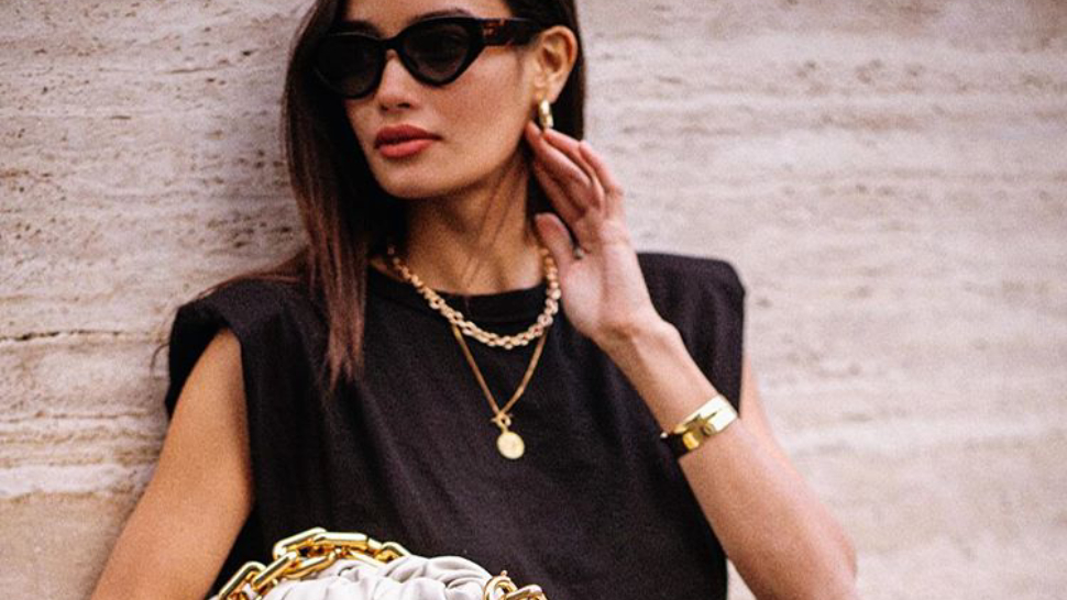 This Is How to Style the Chunky Gold Chain Trend in 2020