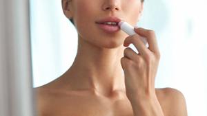 5 Things You Can Do To Finally Heal Dry, Chapped Lips