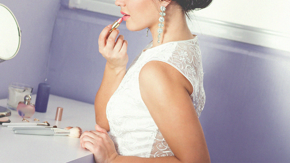 10 Things to Remember If You're Doing Your Own Makeup for Your Wedding