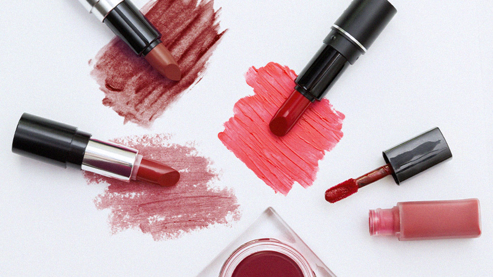5 Alternative (and Creative) Ways to Use Your Red Lipstick