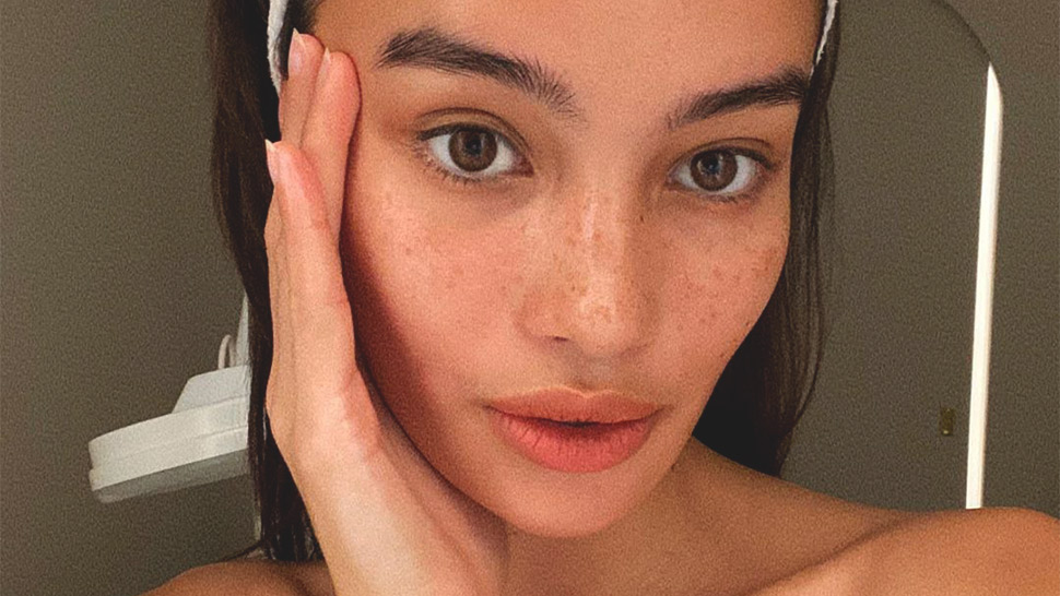 How To Give Yourself A Facial At Home, According To A Dermatologist