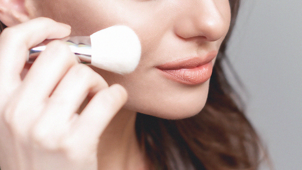 A Beginner's Guide to Using Makeup Brushes Like a Professional