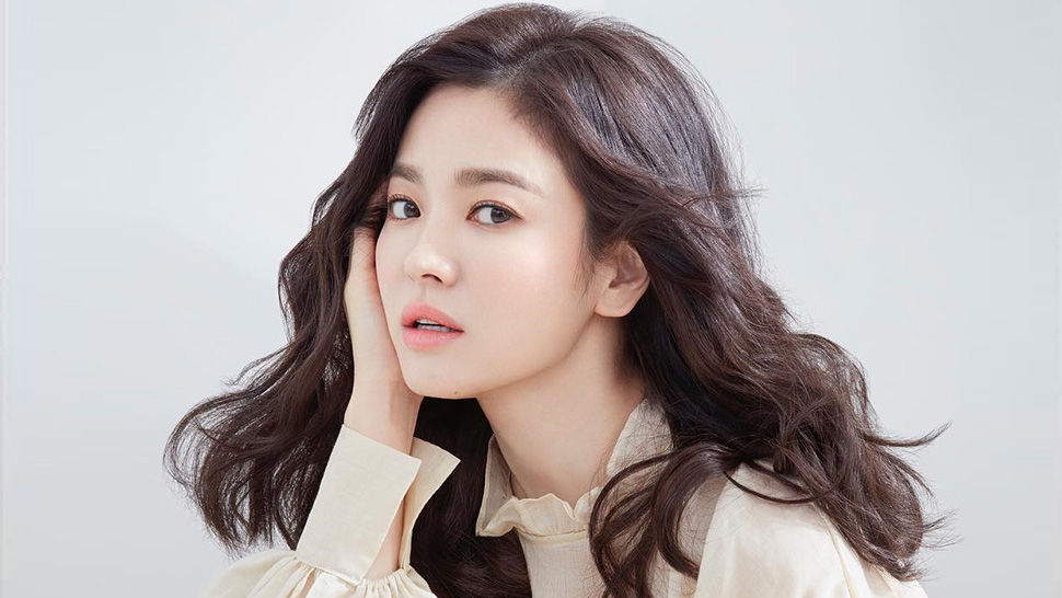 Song Hye Kyo Is Almost Unrecognizable in Her Latest Magazine Cover