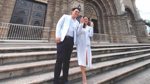 These Doctors Got Married And Went Straight Back To Saving Lives The Next Day