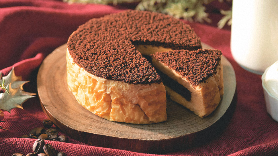 This Tiramisu Cheesecake Is The Creamy Treat You Need Right Now