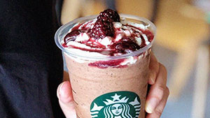 There's A New Starbucks Drink In Town And It Looks Berry Yummy