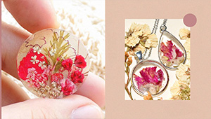Here's Where You Can Buy Pretty Resin Jewelry With Dried Flowers
