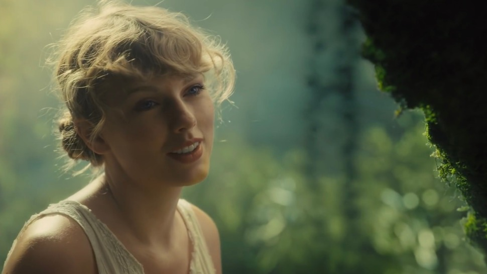 Taylor Swift's Diy Beauty Look Is Perfect For Your Everyday Makeup At Home