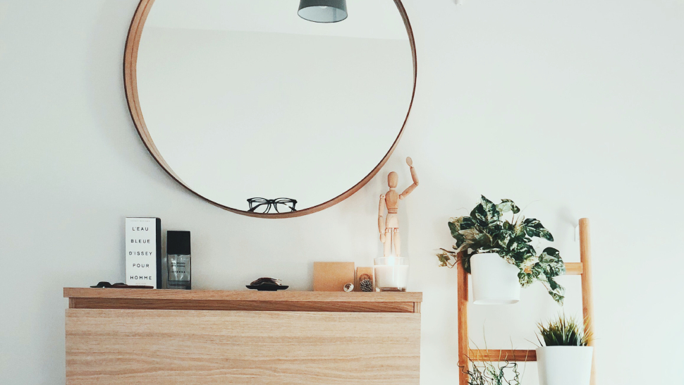 How To Place Mirrors In Your Home For Good Feng Shui, According To An Expert