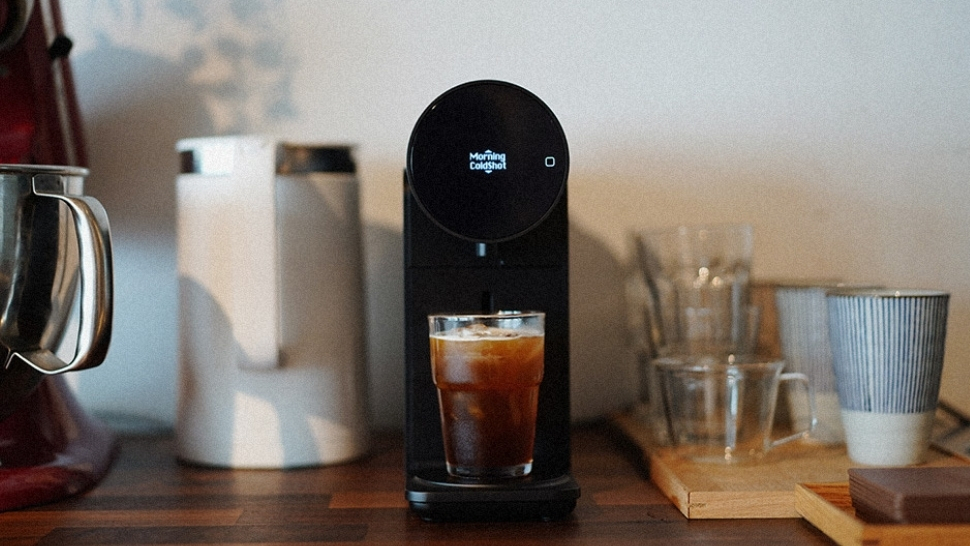 This Sleek Coffee Machine Will Make Your Mornings So Much Better