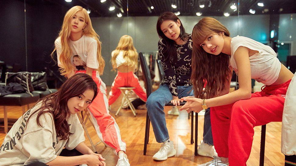 "5 Reasons Why Everyone Should Watch ""blackpink: Light Up The Sky"" On Netflix"