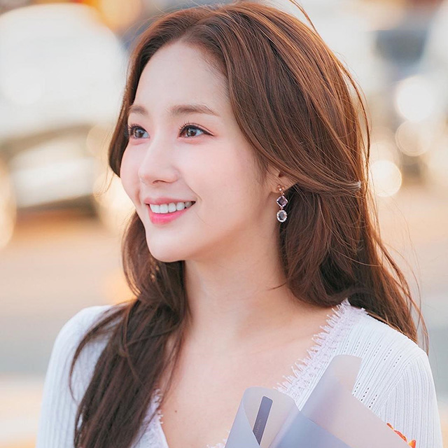 park minyoung hair color