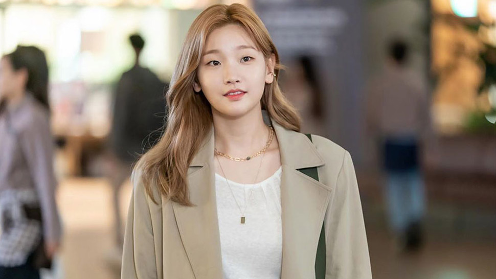 "10 Things You Need to Know About ""Record of Youth"" Leading Lady Park So Dam"