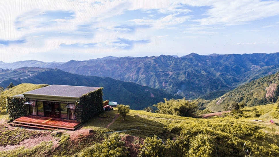 Wake Up to a Breathtaking Sea of Clouds at This Rustic Private Cabin
