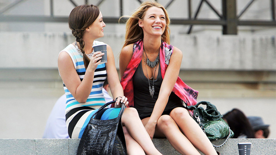 "Here's Your First Look at the New Cast of ""Gossip Girl"""
