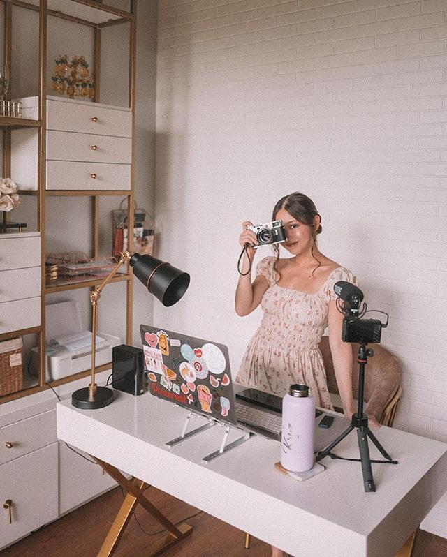 kryz uy stylish home office