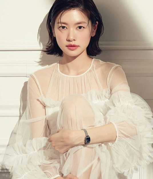 jung so min monolid eyes