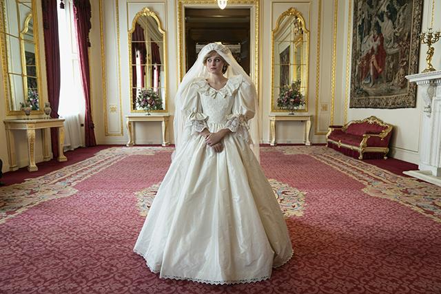 princess diana wedding dress the crown season 4 emma corrin
