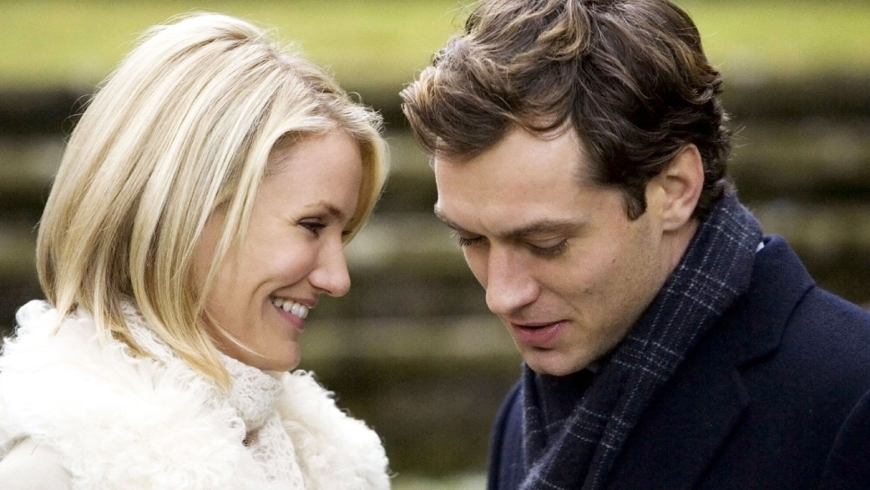 8 Timeless Christmas Rom-coms We'll Never Get Bored Of