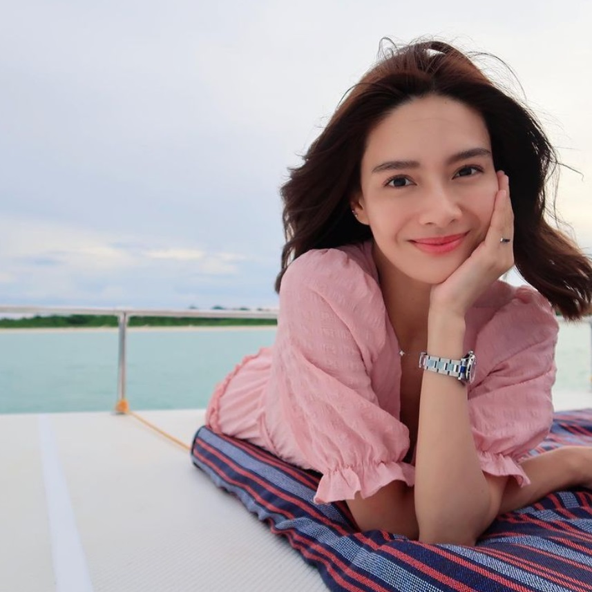erich gonzales beach outfits in amanpulo
