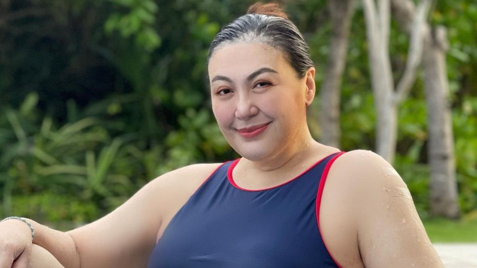 Sharon Cuneta Looks Gorgeous In Her New Swimsuit Photos