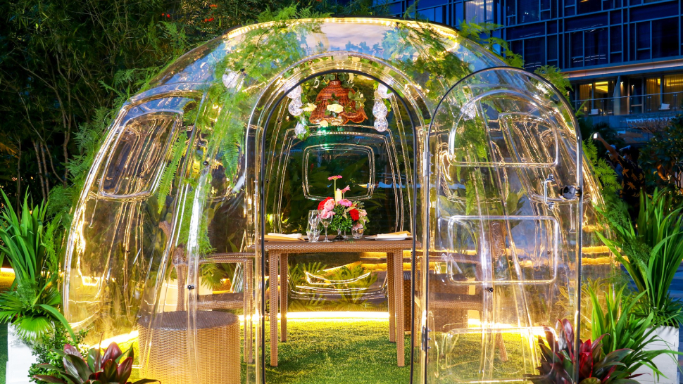 "Resorts World Manila Now Has ""vubble Pods"" For Your Next Romantic Date Night"