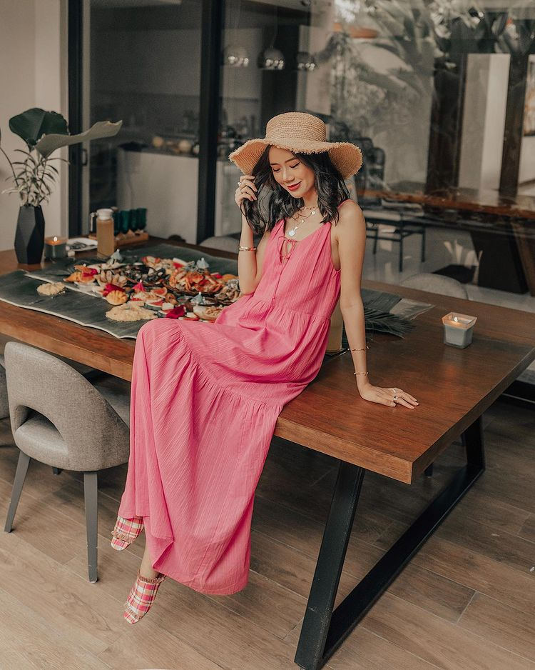 pink OOTDs Camille Co/> <figcaption class=