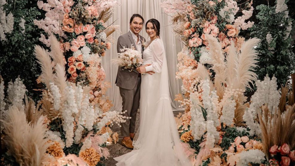 Kathryn Bernardo Gifted A Wedding Gown To Actress Lovely Abella