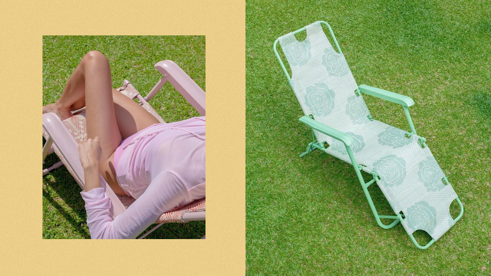 These Pastel Folding Chairs Are Perfect For Your Next Picnic Date Or Beach Getaway