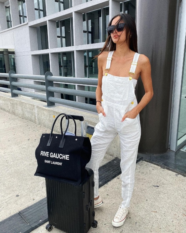 kelsey merritt white summer outfits