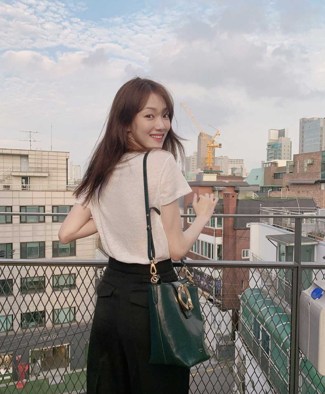 lee sung kyung outfit