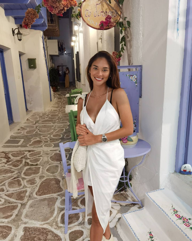 pia wurtzbach white beach wrap dress