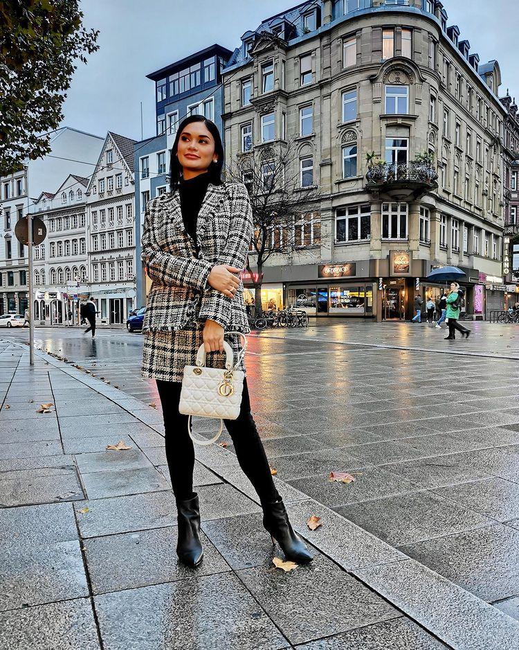 Pia Wurtzbach designer bag lady dior bag