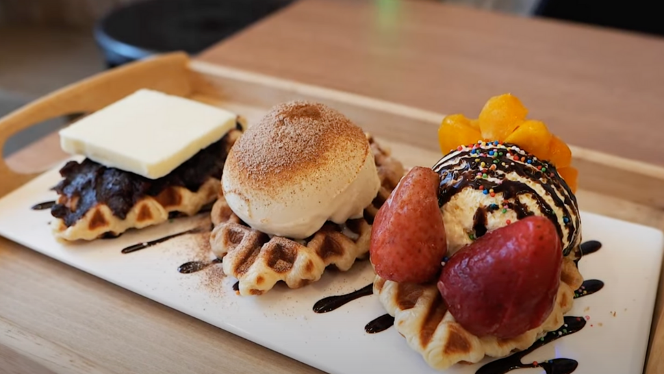 "The ""croiffle"" Is The Korean Food Trend We Can't Wait To Try"