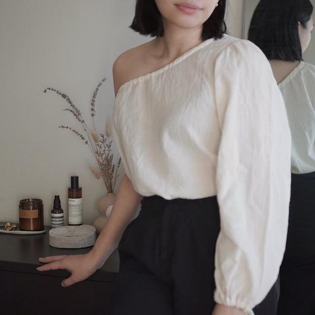 Bea Marquez minimalist outfits
