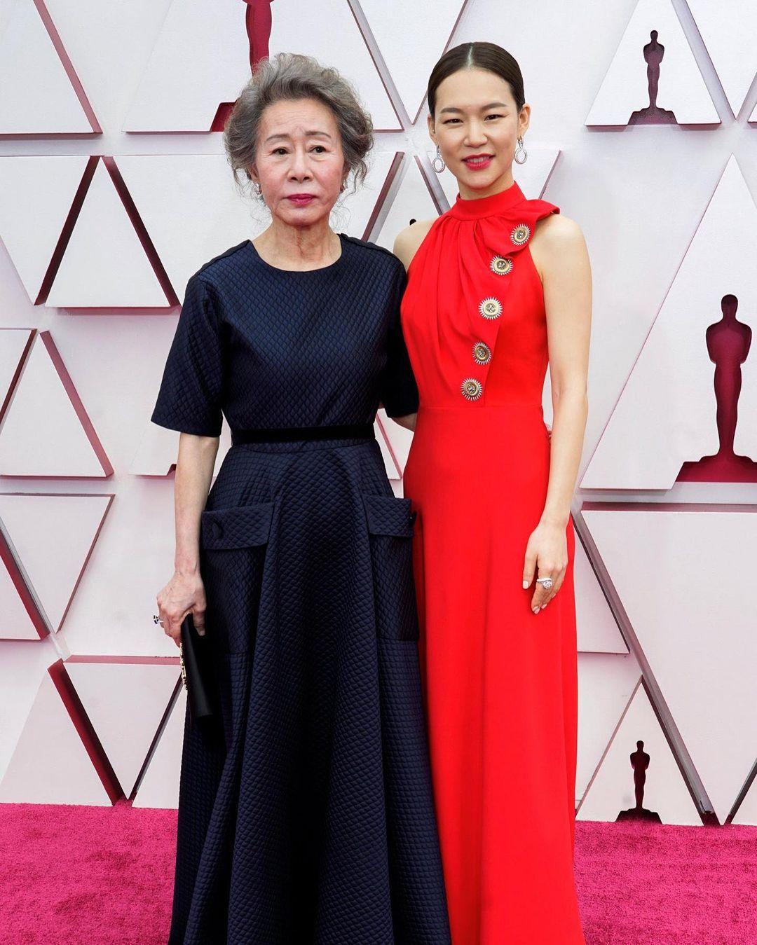 han ye-ri and youn yuh-jun oscars 2021 look