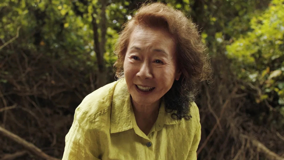 Youn Yuh Jung Makes History As The First Korean To Win An Acting Award At The Oscars