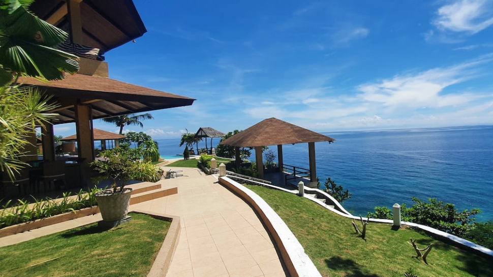 Wake Up to a Stunning View of the Sea at This Airbnb in Cebu